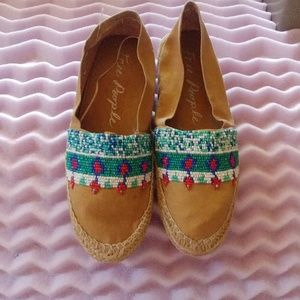 Free People women's beaded moccasins size 9